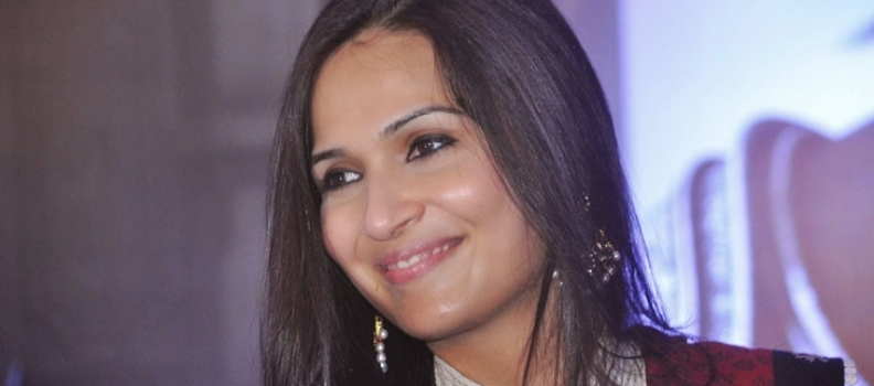 Soundarya's First is Kaththi Under Eros